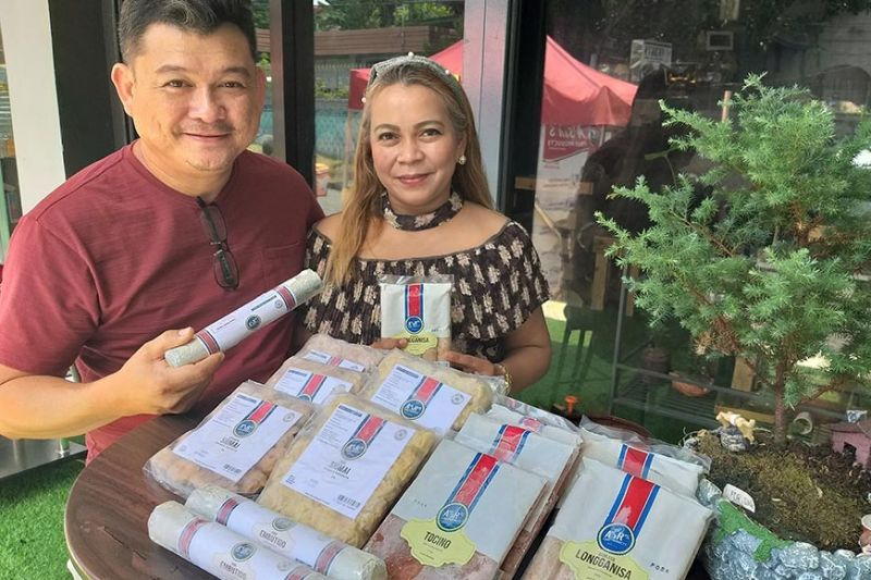 PROUD GEM PH SHOPBOT AND WEBSITE OWNER. Dabawenyo couple Randy and Rolyn Cañedo of A's & R's Food Products is a proud owner of a free Get Ecommerce Movement (GEM) Philippines Shopbot and website. (MLSA/GEM PH)