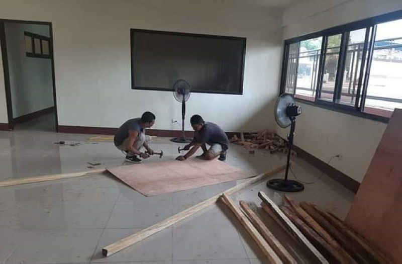 ZAMBOANGA. Mayor Maria Isabelle Climaco-Salazar orders the City Engineer's Office (CEO) to repair some of the isolation facilities amid the rapid increase of coronavirus disease 2019 (Covid-19) cases. A photo handout shows two CEO personnel doing some repair works at the isolation facility of the Mayor Joaquin F. Enriquez, Jr. Memorial Sports Complex. (SunStar Zamboanga)