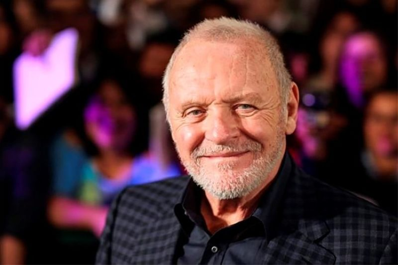 MEXICO. In this February 15, 2011 file photo, Anthony Hopkins smiles while posing for photos prior to the premiere of his new film