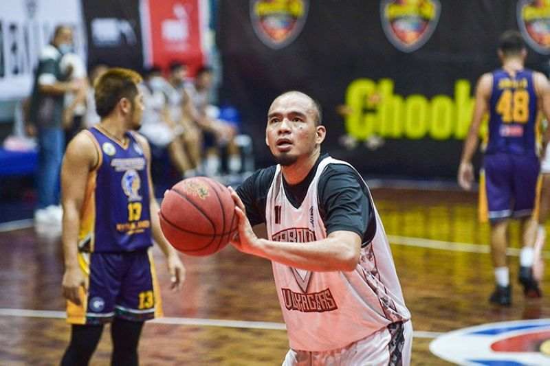 Cebuano hoops legend Gayford Rodriguez was selected in the 2013 PBA Draft by Rain or Shine but never got to log in a single second in the pro league. He finally got his shot at the pros when he signed up to play for the Tabogon Voyagers in the VisMin Cup. (Chooks-to-Go)