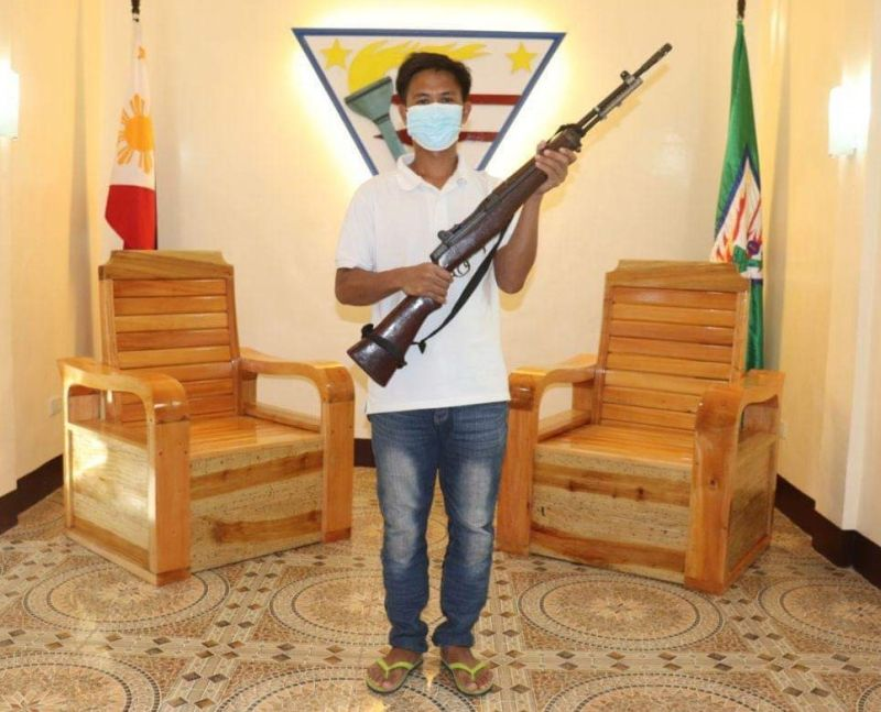 ZAMBOANGA. Another member of the Abu Sayyaf Group (ASG) identified as Abdul Asnulan Akil surrendered Sunday, April 25, bringing the number of ASG surrenderers in Basilan province to 11 since January this year. A photo handout shows Akil with his caliber .30 M1 Garand rifle when he surrenders to military authorities in Basilan. (SunStar Zamboanga)