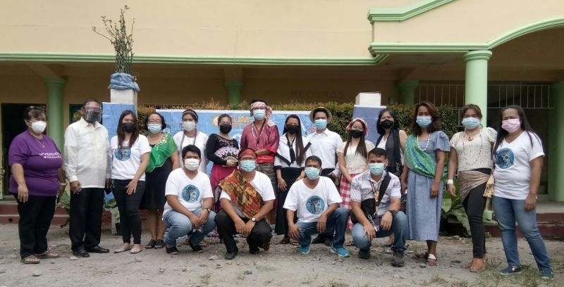 """NEGROS. Sum-ag National High School faculty and staff headed by its principal Warlito Rosareal (2nd from left) joined the entire country as they commemorated the historic victory of the """"Battle of Mactan"""" Tuesday, April 27, 2021. (Jerome Galunan Jr.)"""