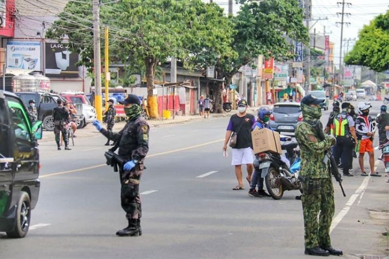 Public cooperation brings Cebu City's Covid cases to a new low. (File photo)