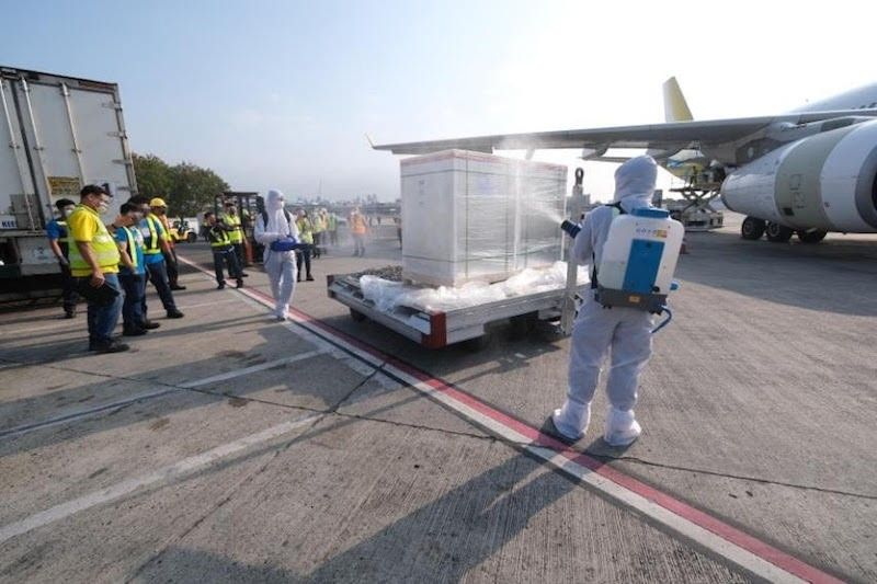 MANILA. The latest shipment of Sinovac vaccines are disinfected upon arrival at the Ninoy Aquino International Airport on April 29, 2021. (Contributed)