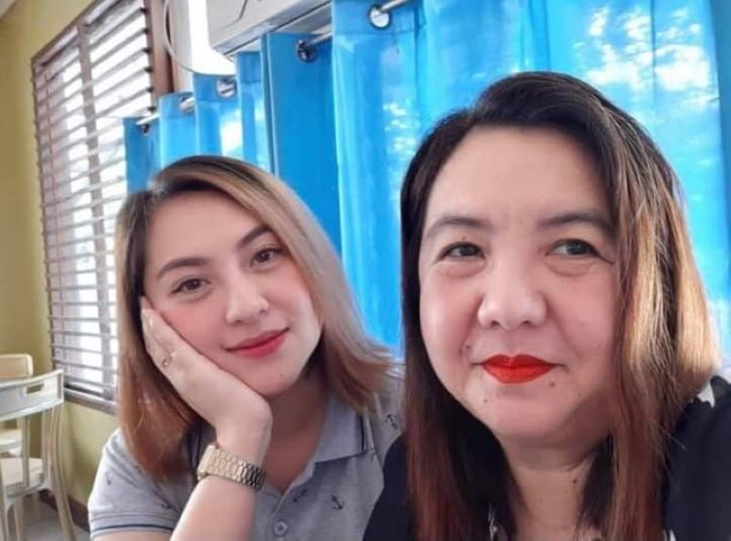 BACOLOD. Nicole Gayle Gustilo greets her mom, Gerlyn, a happy Mother's Day. (Contributed photo)
