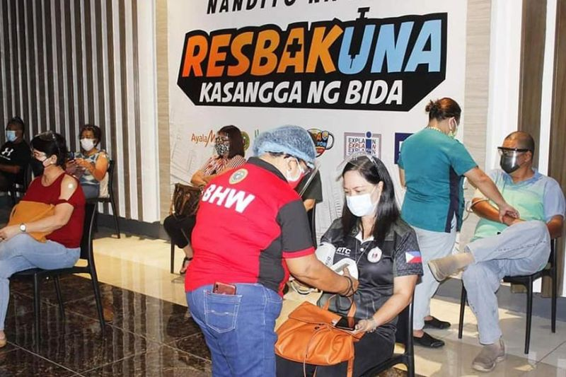 BACOLOD. The Covid-19 mass vaccinations for priority groups in Bacolod City will resume today, May 10, in SM City and Ayala Malls Capitol Central. (File photo)