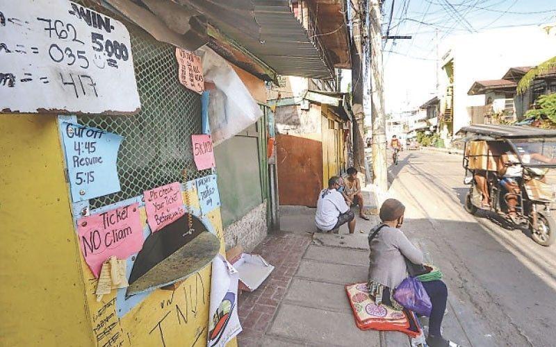 Ilegal nga STL sa Cebu City dakpon na. (File photo)