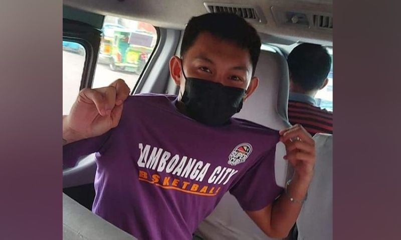 ZAMBOANGA. Letran star guard Fran Yu dons the shirt of Zamboanga City shortly after arriving to join the team's preparation for the Mindanao leg of the Pilipinas VisMin Super Cup. (Zamboanga City Valientes Facebook page)