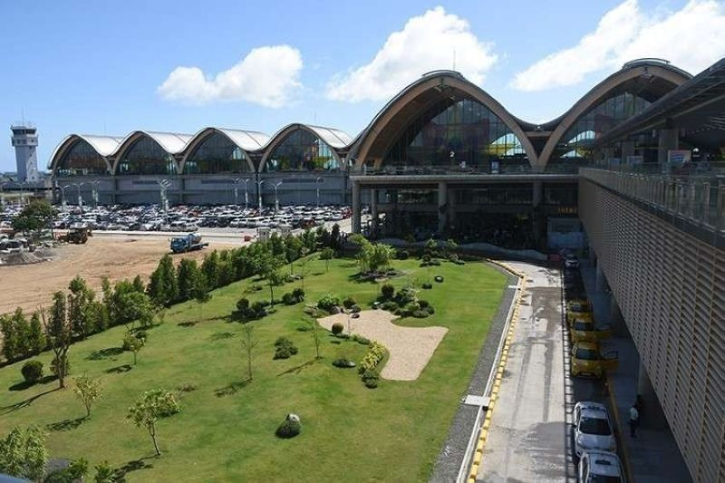 Mactan airport 'closed' to int'l arrivals for 2 days. (File photo)