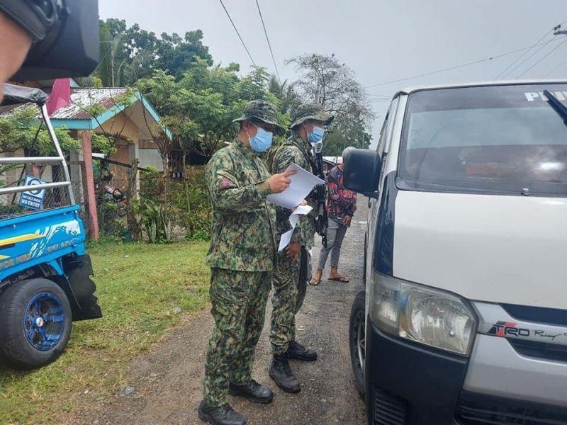 DAVAO. Makita ang hugot nga inspeksiyon sa border control sa Marilog District, Siyudad sa Davao. (Hulagway ni Regine Lanuza sa PTV-4 Davao)