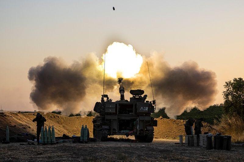ISRAEL. An Israeli artillery unit fires shells toward targets in Gaza Strip, at the Israeli Gaza border, Wednesday, May 19, 2021. (AP)