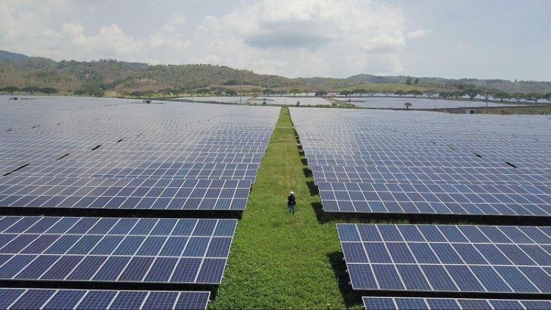 SAN CARLOS. Inaugurated in 2016, the 59-megawatt-peak solar facility in San Carlos City, Negros Occidental, operated by AboitizPower subsidiary San Carlos Sun Inc. (SacaSun), is the company's maiden venture in the solar energy space. (Contributed photo)