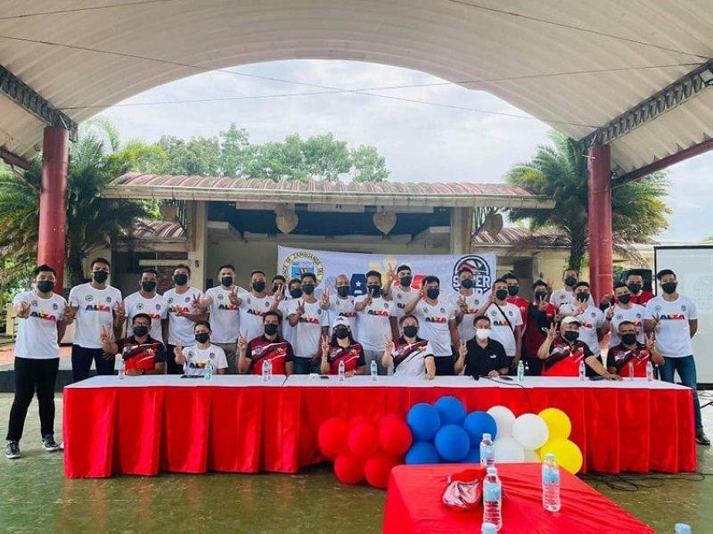 ISPORTS. Ang kinatibuk-ang puwersa sa Alayon Zamboanga Del Sur nga gipangulohan ni Governor Victor Yu ug Congresswoman Divina Yu atol sa press conference nga gipahigayon niadtong Huwebes. (Tampo)