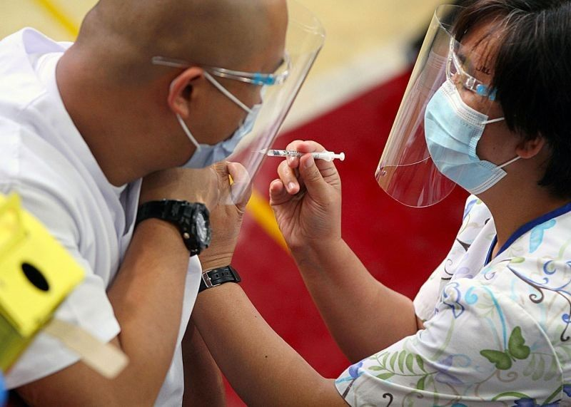 Enough Covid-19 vaccines promised as PH targets 50M jabbed this year, PBB opens mega vax site. (File photo)