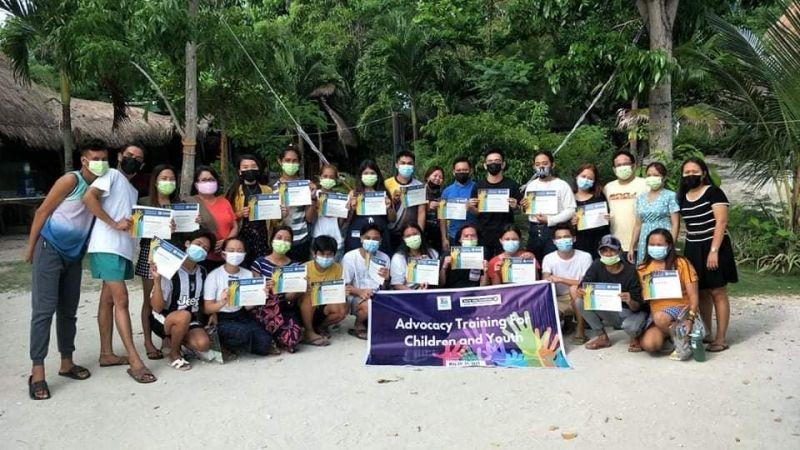 MGA PARTISIPANTE: Ang mga partisipante sa ikaduhang hugna sa Advocacy Training for Children and Youth nga gipahigayon sa Lungsod sa Moalboal, Cebu. / Tampo