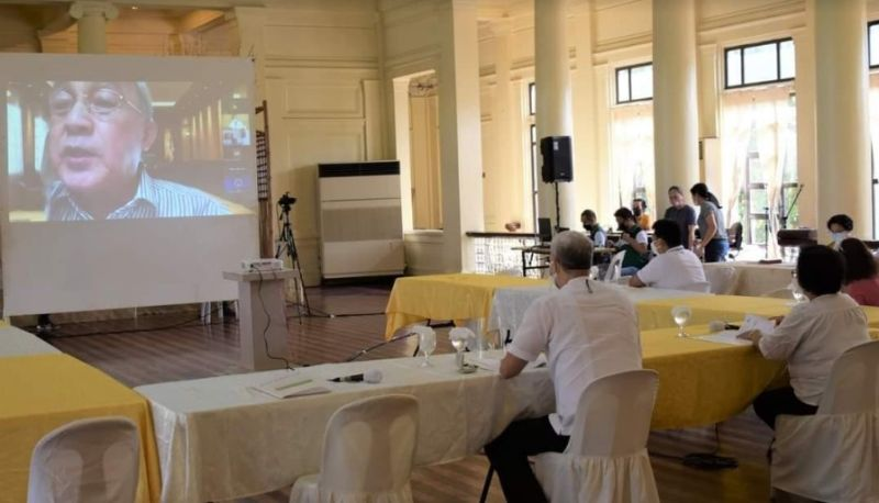 BACOLOD. Business leader Frank Carbon (on screen) raises the creation of Task Force Ceneco to Governor Eugenio Jose Lacson and other members of the Provincial Development Council during their quarterly meeting at the Provincial Capitol's Social Hall in Bacolod City on May 31, 2021. (Capitol Photo)