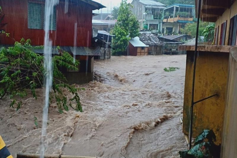 SOUTHERN LEYTE. Massive flooding in Maasin City due to Tropical Storm Dante. (Photo courtesy of Eric Recto)