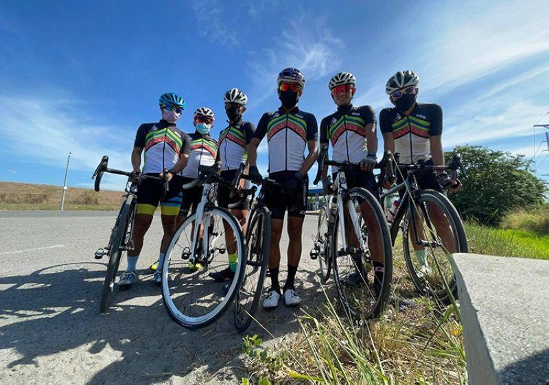 FINISHERS. Finishers of the NLEX Corporation's Lakbike Na! 365 Cycle. (Contributed photo)