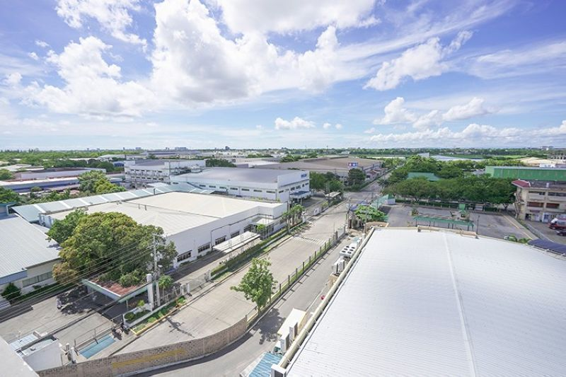 HUB. Mactan Economic Zone 2 is a 63-hectare Philippine Economic Zone Authority-registered economic zone located in Lapu-Lapu City that hosts 49 locators and their 12,000 employees, 70 retail stores, services and restaurants, 18 office spaces, and a transportation hub. (Aboitiz)