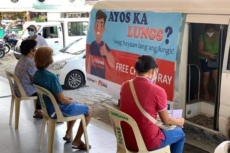 FREE CHEST XRAY. About 212 residents of Subic, Zambales have so far benefitted from the free chest x-ray of the United States Agency for International Development's TB Platforms Project.  Contributed photo