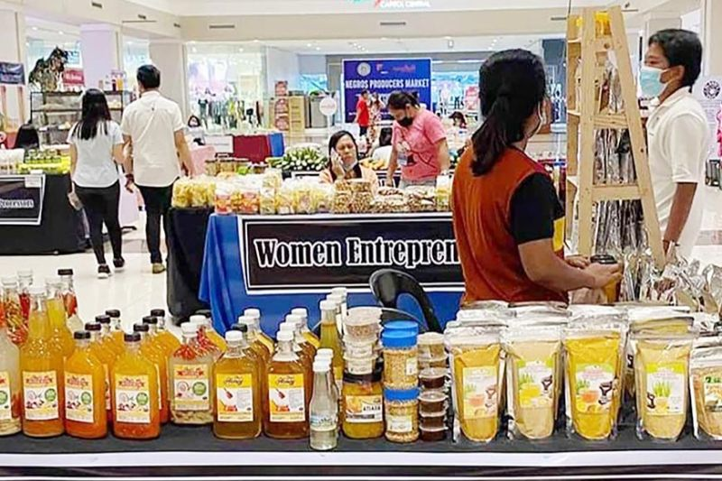 BACOLOD. Some of the participating producers showcasing a wide variety of local products at the ongoing Negros Producers Market at the Ayala Malls Capitol Central in Bacolod City. (Contributed photo)