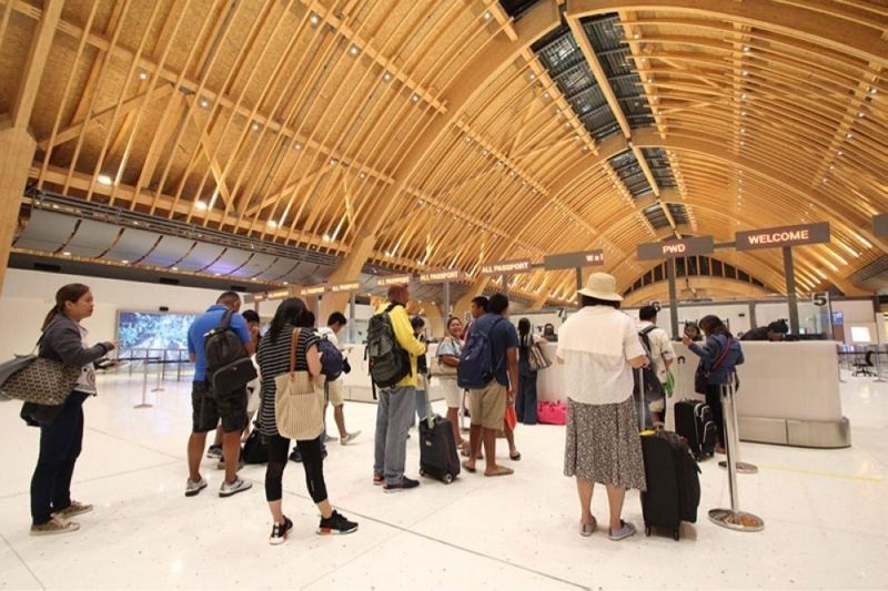 Lawyers urge IATF: Adopt Cebu's arrival protocol. (File photo)