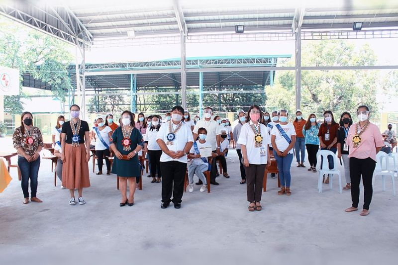 PAMPANGA. A total of 27 households from Guagua, Pampanga graduate from the Pantawid Pamilyang Pilipino Program (4Ps) of the Department of Social Welfare and Development. (DSWD)