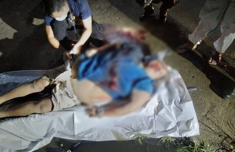 BACOLOD. A drug personality was shot to death by unidentified assailants in front of Barangay Estefania Hall, Bacolod City Wednesday evening. (Martian Muyco photo)