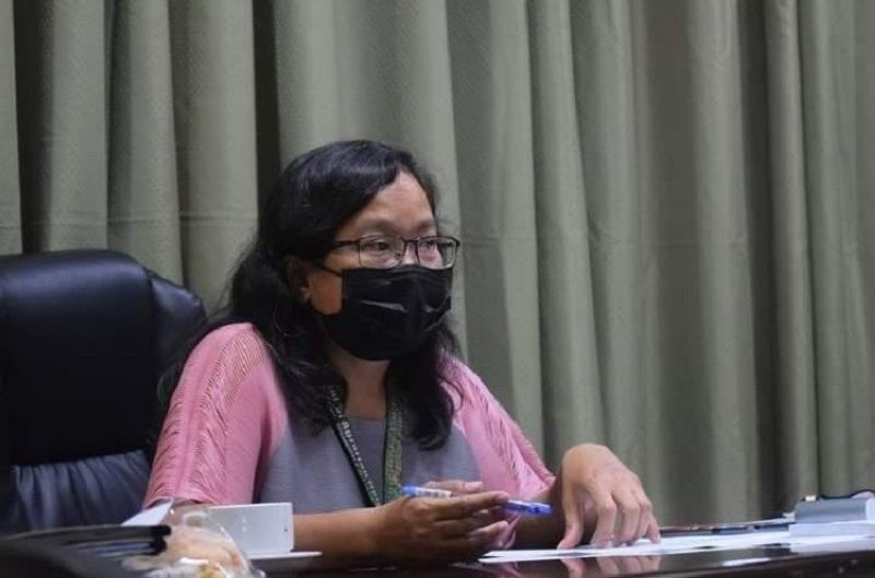NEGROS OCCIDENTAL. Department of Agrarian Reform in Western Visayas Assistant Regional Director Lucrecia Taberna, during the 2nd Quarter Review and Planning Session on Thursday. (Contrubuted photo)