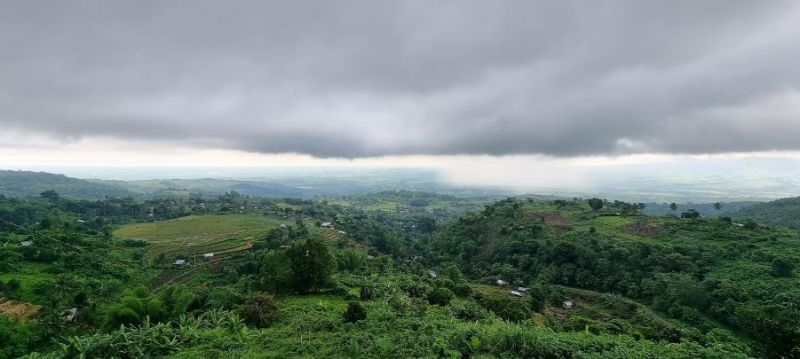 BACOLOD. At the pinnacle of the mountainous village in Murcia, enjoying the fog and beauty of nature. Franklin shares the unspeakable joy that he appreciates in living in the said place. (Contributed photo)