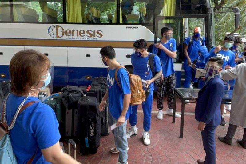 The Gilas Pilipinas men's national basketball team arrives in Clark for the FIBA Asia Cup qualifiers, which begins on Wednesday, June 16, 2021. (SBP)