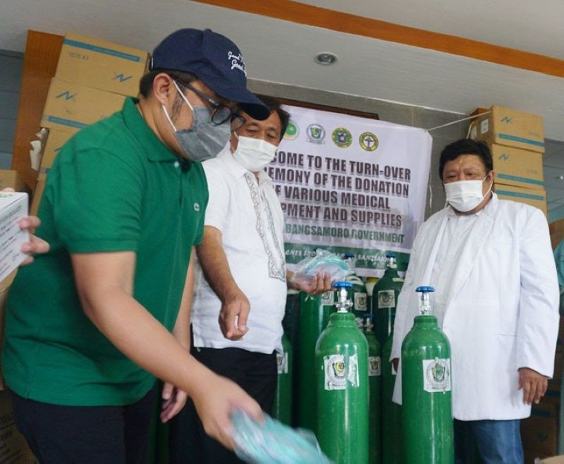 ZAMBOANGA. The Ministry of Health in the Bangsamoro Autonomous Region in Muslim Mindanao (MOH-Barmm) boosts the delivery of healthcare services, through the acquisition of vital oxygen delivery medical equipment, for the region's fight against coronavirus disease (Covid-19). A photo handout shows an MOH official distributes Monday, June 14, oxygen delivery medical equipment to the Maguindanao Provincial Hospital and Cotabato Sanitarium. (SunStar Zamboanga)