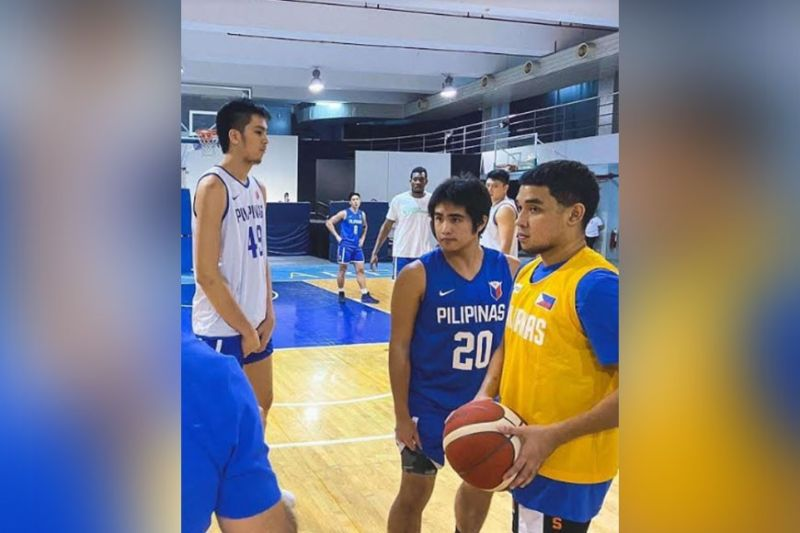 BACOLOD. SJ Belangel (20) alongside RJ Abarrientos (right) and Kai Sotto (left) during a Gilas Pilipinas practice. Also in the photo are Dwight Ramos (8),  Angelo Kouame, and team captain Isaac Go. (Samahang Basketbol ng Pilipinas Photo)