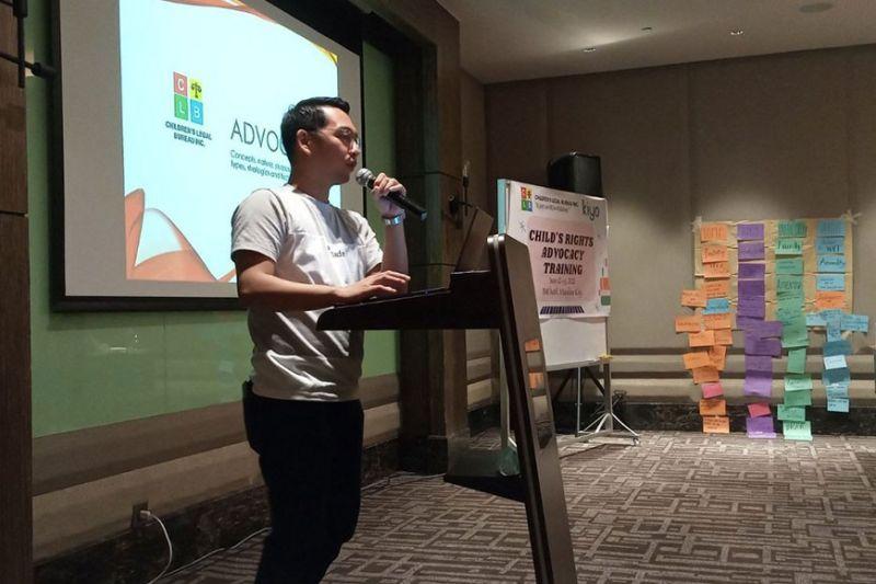 MAMUMULONG: Si Atty. King Perez usa sa mga mamumulong sa Child Rights Advocacy Training sa CLB niadtong Hunyo 12 ug 13. / Tampo