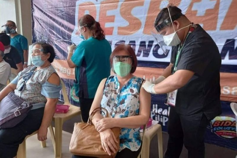 NEGROS. Negros Occidental will hold a simultaneous vaccination activity in all 31 towns and cities in the province on June 17 and 18, 2021. (File photo)