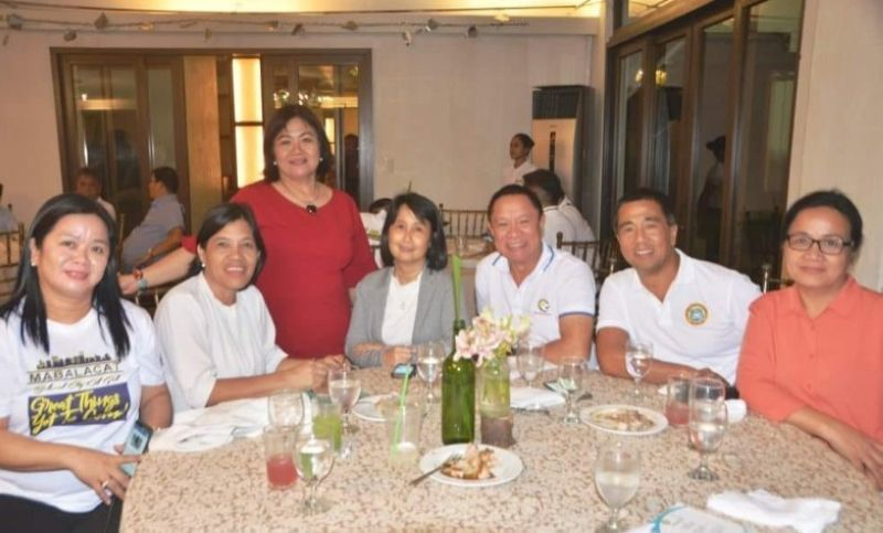 RETIRING. Provincial Administrator Rayfrando Diaz II announces that Provincial Agriculturist Japhet Masculino (third from right) opts to retire on June 30, 2021. (Contributed Photo)