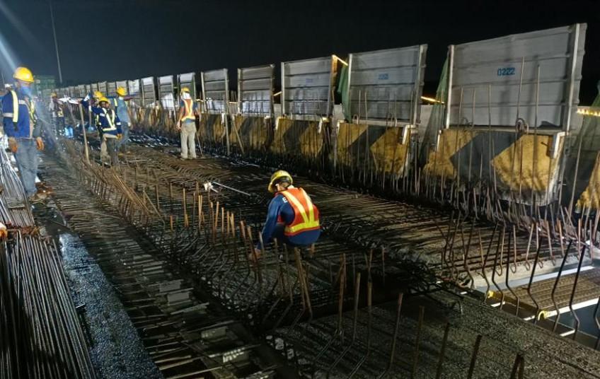 BRIDGE REHAB. Workers do rehabilitation works on NLEX bridges in Meycauayan and Bigaa in Balagtas, Bulacan. (Contributed photo)