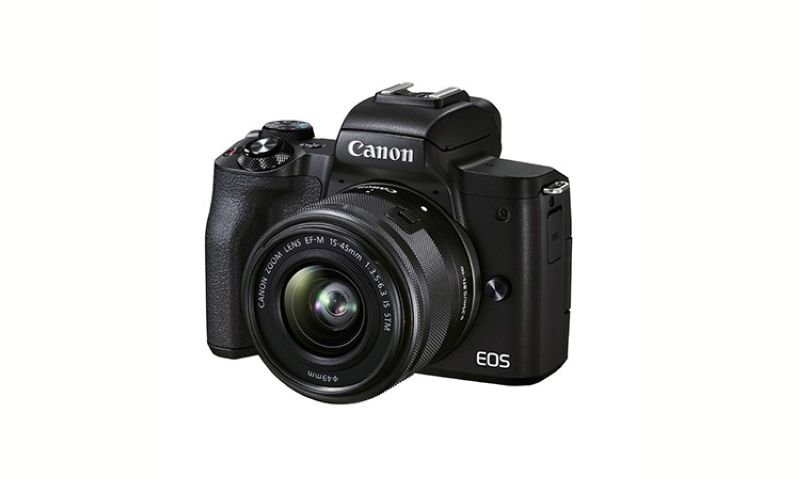 CANON M50 MKII 15-45MM KIT. Content creators, vloggers and your dad will find what they're looking for in this black Canon EOS M50 Mark II. A versatile multimedia camera with a well-rounded photo and video feature-set. (Contributed photo)