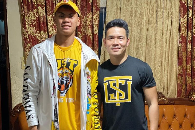 Cebuano wingman Nicael Cabañero, seen here with assistant coach Joph Cleopas, has committed to join the UST Growling Tigers. (JHOOP Basketball Facebook page)