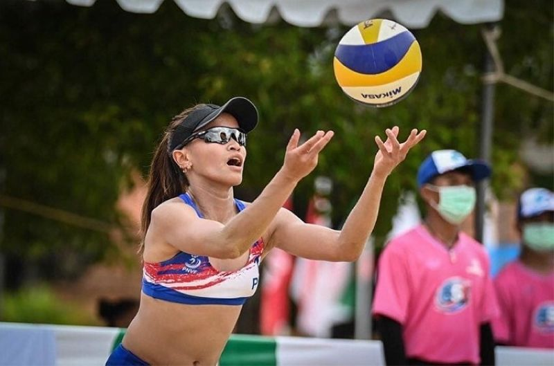 THAILAND. Cebuana spiker Sisi Rondina and Bernadeth Pons got beaten by New Zealand in the Asian Volleyball Confederation Continental Cup semifinals on Friday in Thailand. (AVC)