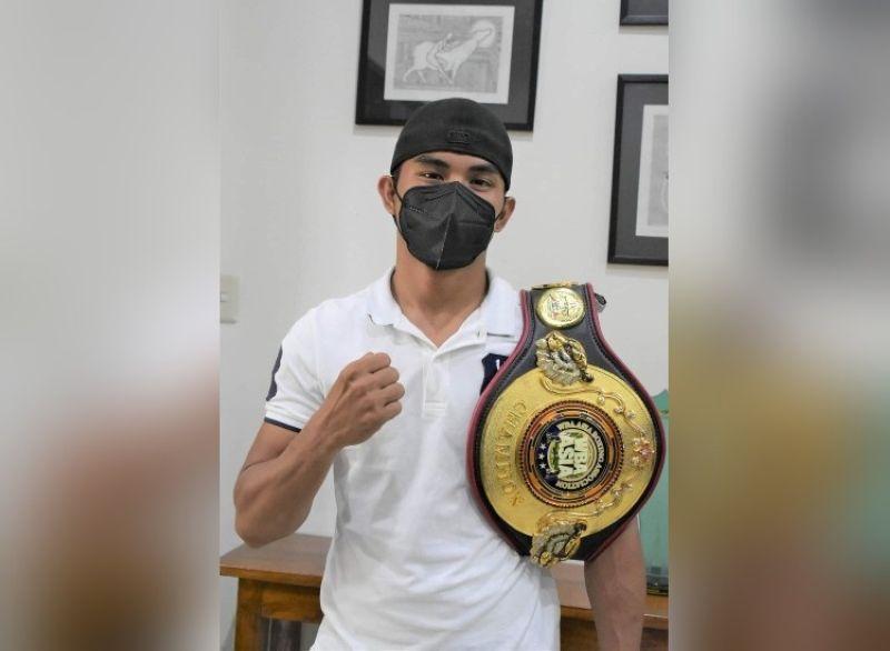 NEGRENSE boxing champ World Boxing Association (WBA) Asia Super Featherweight champion Roldan