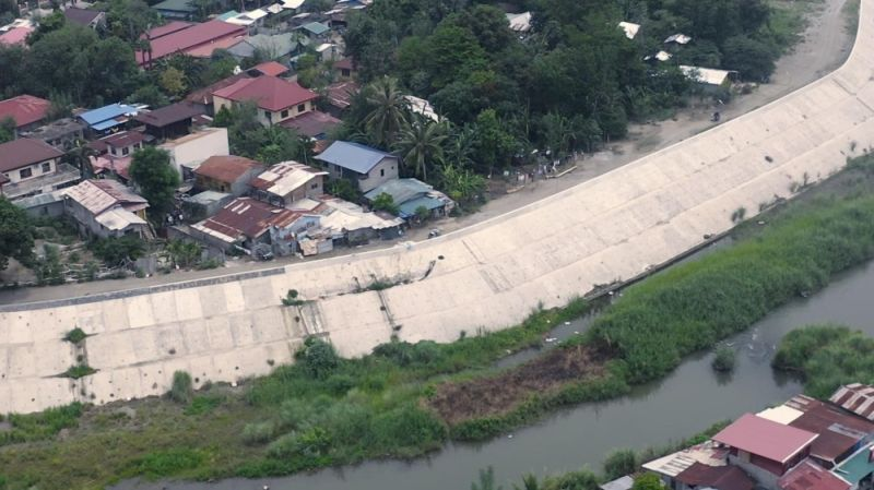 FLOOD CONTROL STRUCTURES. The Department of Public Works and Highways completes two flood control structures in Camiling, Tarlac. (DPWH)