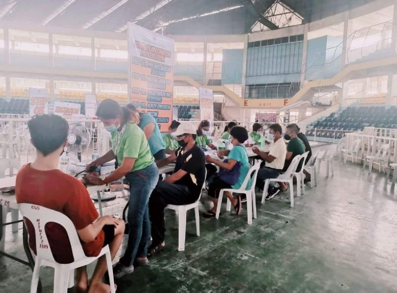 NEGROS. A simultaneous vaccination was conducted in 31 towns and cities in the province under the new guidelines to expedite the Covid-19 vaccination rollout in all 31 local government units in the province. (Contributed photo)