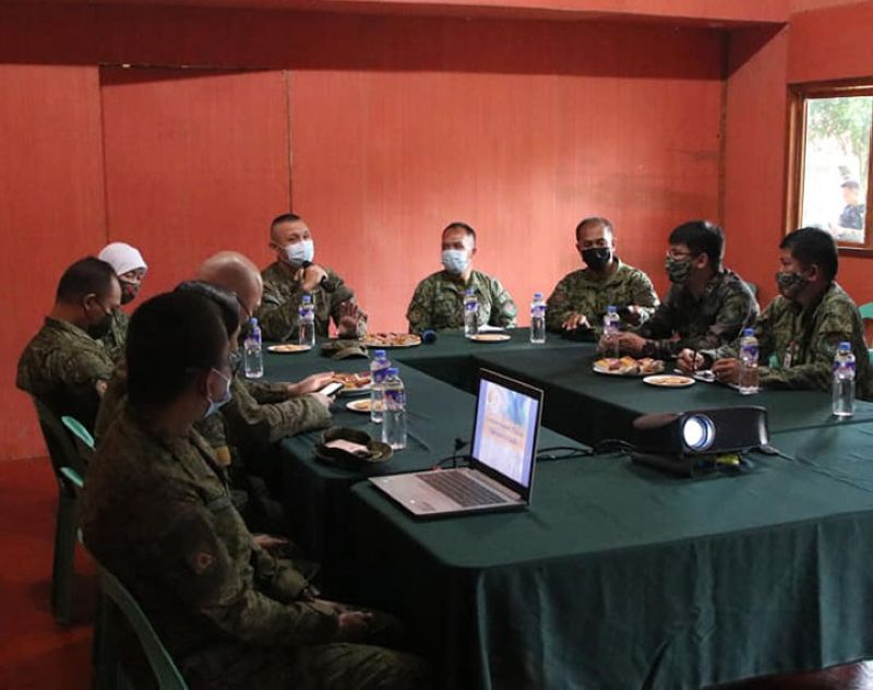 ZAMBOANGA. Top military and police officials agree on Friday, June 18, to exert significant efforts to enhance governance in the community level to address terrorism in Lanao del Sur. A photo handout shows Lieutenant Colon Franco Raphael Alano, 55th Infantry Battalion commander (5th from right), and Police Lieutenant Colonel Richard Juan Adones Habawel, 2nd Provincial Mobile Force Command chief (4th from right), jointly preside the meeting. (SunStar Zamboanga)