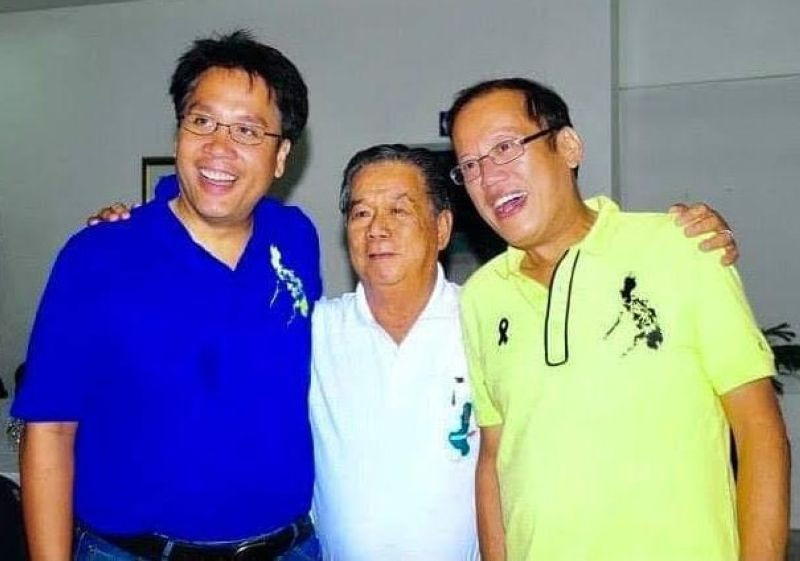 NEGROS. Former President PNoy was with former Governor Alfredo Marañon, Jr. and former Senator Mar Roxas during their visit to the province in 2010./Dr. Ronnie Baldonado photo