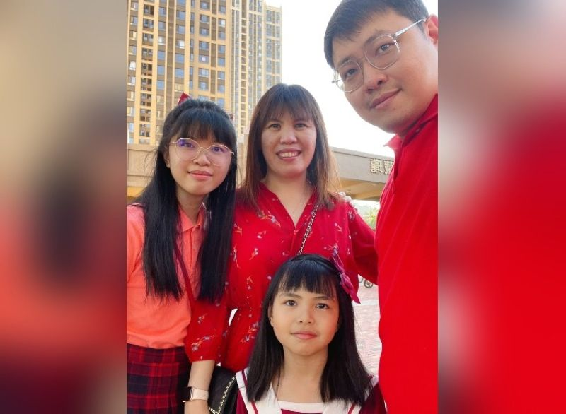 """ADVENTURE AWAITS. When the family moved from Davao City to China in 2016, Hans, Deborah, Hermione and Hanna Chua created a blog/vlog called """"Where in the World are Hermione and Hanna?"""" on Facebook to document the places where they have been. They are also on Instagram (@hdc.travels) and YouTube (HDC Travels)."""