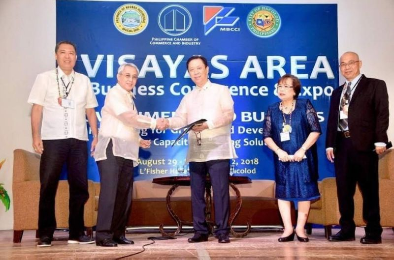 BACOLOD. Metro Bacolod Chamber of Commerce and Industry Chief Executive Officer Frank Carbon (second from left) with other Philippine Chamber of Commerce and Industry officials during the 27th Visayas Area Business Conference held in Bacolod City in 2018. (File/Contributed photo)
