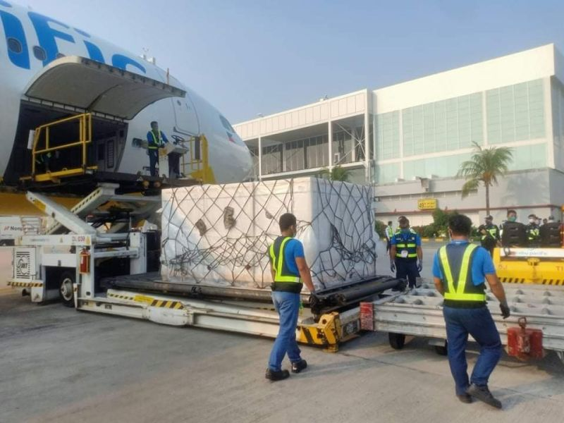 DISTRIBUTION. Low-cost carrier Cebu Pacific (CEB) has been the country's partner in distributing Covid-19 vaccines to the different provinces of the country. On Monday, June 28, 2021, CEB safelytransported another one million Covid-19 vaccine doses from Beijing to Manilavia flight 5J 671. / CEB