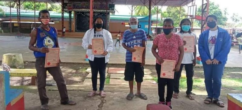 ESCALANTE. Eight agrarian reform beneficiaries in Escalante City receive land titles for over five-hectare land from the Department of Agrarian Reform recently. (Contributed photo)