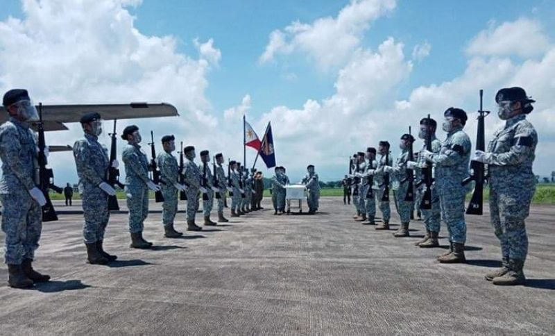 3RD INFANTRY DIVISION PHOTO. Negrense soldier Major Eraño Belen, who died in a helicopter crash in Capas, Tarlac last week, was given a military honor at the Bacolod-Silay Airport in Silay City Wednesday.